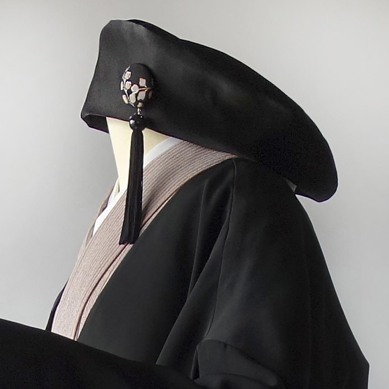 制服みたいな個性派帽子≠rikyu≠無地黒ver.黒い繻子帯で作ったベレー帽